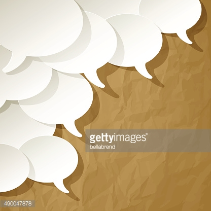 Chat speech bubbles ellipse on a brown background.